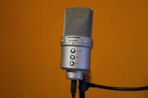 kondenzátor mikrofon